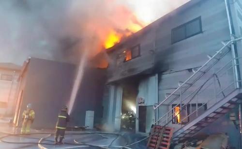 김포 라텍스 제품 공장서 불…1억5천만원 피해