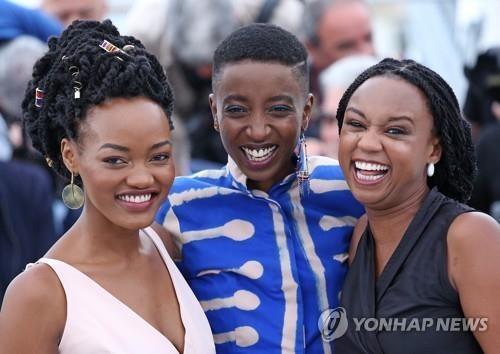 케냐 법원, 검열기관 금지한 '레즈비언 영화' 일반 상영 허가