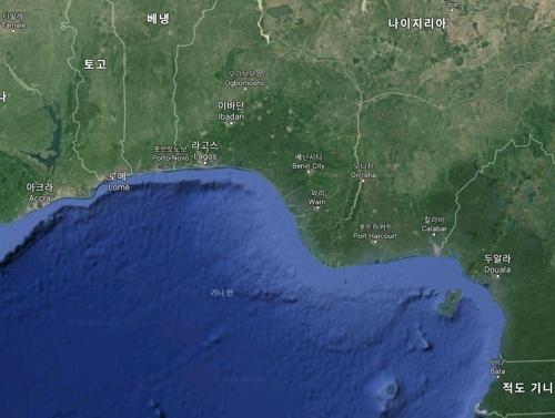 나이지리아 인근서 스위스 상선 피습…선원 12명 해적에 납치(종합)
