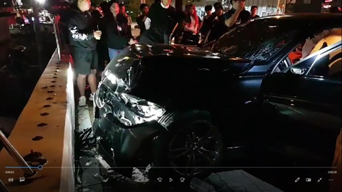 음주 차량 보행자 덮쳐 3명 중상…외국인이 부상자 구조