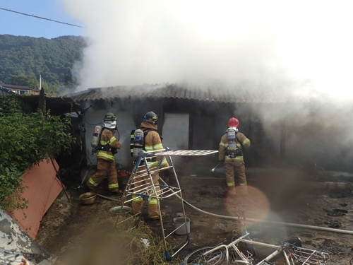 광주 북부소방서 화재 진화 활동