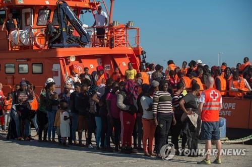 구조된 난민 [AFP=연합뉴스]