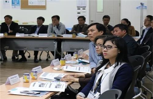 서울시 상수도 정책연수를 받는 해외 공무원들