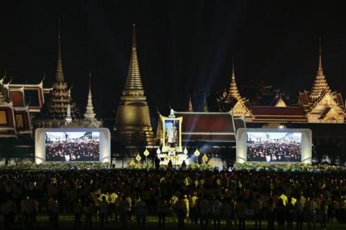 방콕 왕궁 앞 사남루엉 광장에서 열린 추모 행사[왕실 사무국 제공=연합뉴스]