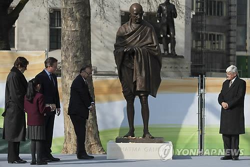 아프리카 말라위서 '간디 동상' 건립 놓고 논란
