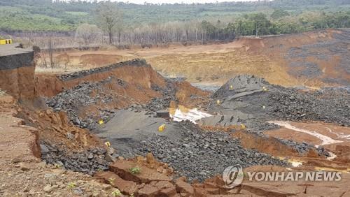 """""""'라오스댐 참사' SK건설, 입찰자격 없었는데 기재부가 특혜"""""""