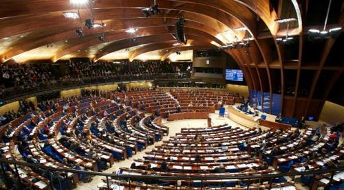 """""""유럽 여성 의원들 85% 의회서 따돌림·성차별 경험"""""""