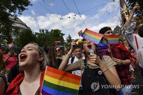 """헝가리, 대학 젠더 연구 금지…""""과학 아닌 이념"""""""