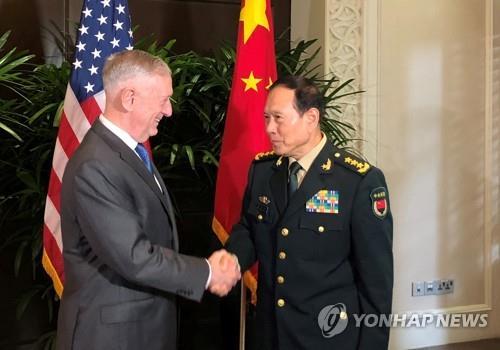 '군사긴장' 美·中, 싱가포르서 국방장관 회담…합의는 불발(종합)