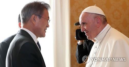 프란치스코 교황 역사적 방북 언제쯤 실현될까…공은 북한으로