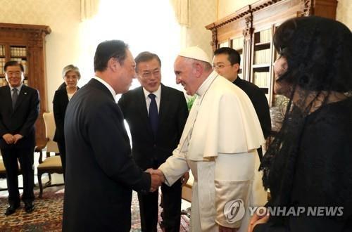 """박용만 상의회장, 교황 알현…""""그늘에 있는 사람들 돌볼 것"""""""