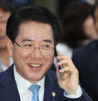 김영록 전남지사, 시골 이장들과 '카톡 소통' 눈길
