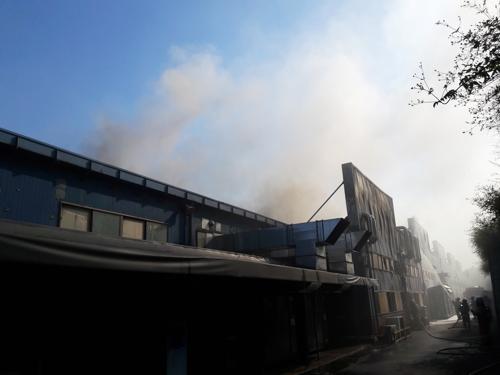 울산 자동차부품공장서 화재…2억 피해