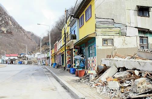 '바닥이 안 보인다' 강원 폐광지 인구 30년 만에 절반 '뚝'