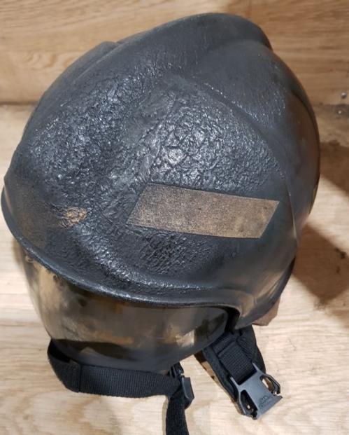 화염에 녹아내린 소방관 헬멧