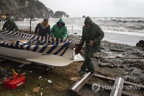 유럽서 강풍·폭우·폭설 등 이상기후로 피해 속출(종합2보)