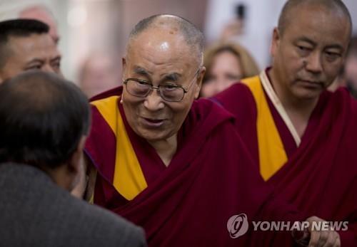 달라이 라마 후계자 선출 민주적으로…교황 선출방식도 가능