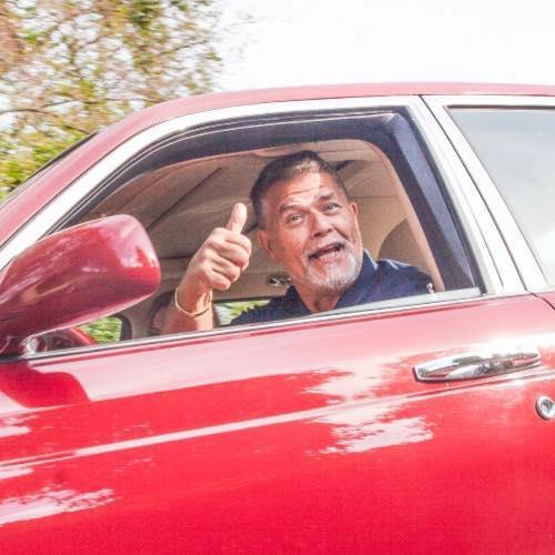 '나이를 20년 낮춰달라'고 소송한 네덜란드인 에밀 라텔밴드(69)