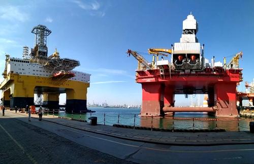 산둥성에 있는 초심해 이중 굴착 타워 반잠수식 굴착 플랫폼 -- Bluewhale I 및 II