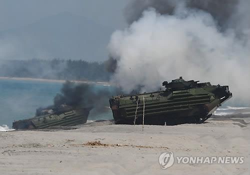 남중국해 연안서 필리핀, 美日과 합동 군사훈련