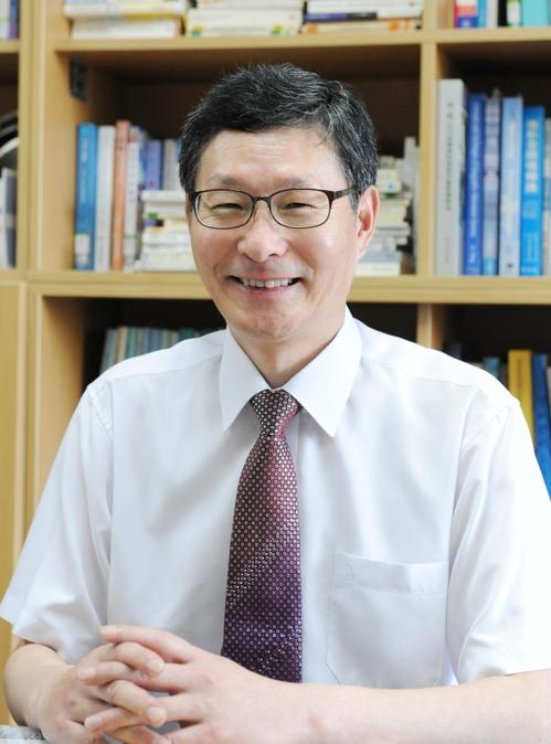 [동정] 부경대 윤홍주 교수 한국전자통신학회장 선출