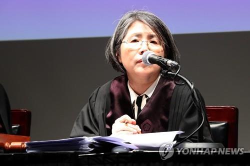 """김영란 전 대법관 """"AI 재판과 다르려면 문학적 접근 필요"""""""