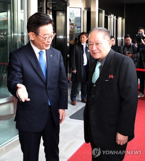 北대표단, 판교 방문…이재명-리종혁 비공개회담