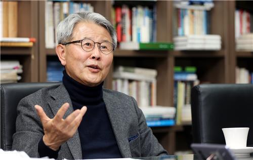 """[묻고 답하다] 최완규 원장 """"지자체·민간단체가 남북교류 전면에 나서야"""""""