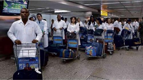 브라질, 쿠바 의사 철수 발표에 '공공의료 시스템 위기' 논란