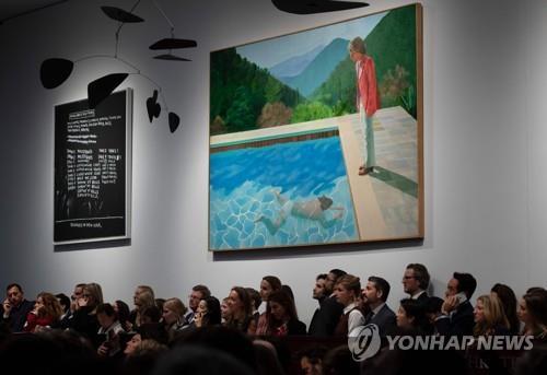 英작가 호크니 그림 1천19억원에 낙찰…생존작가 최고가(종합)