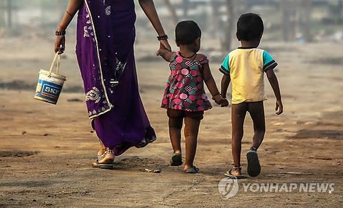 전 세계 어린이 6억2천만명 학교 화장실 부족에 시달려