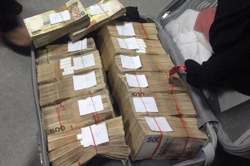 필리핀 입국 한국남성 가방에 '뭉칫돈'…세관 당국 조사