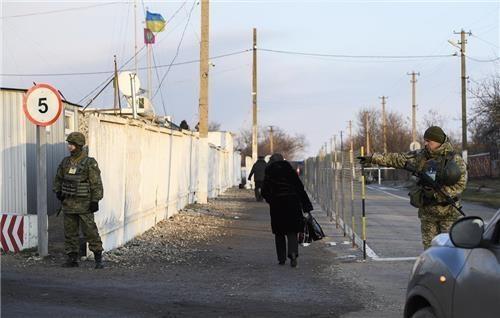 """우크라 """"지난달 계엄령 발령 후 러시아인 600여명 입국 거부"""""""