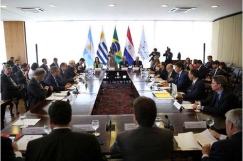 """남미공동시장 """"EU와 내년 3월까지 FTA 체결 목표로 협상"""""""