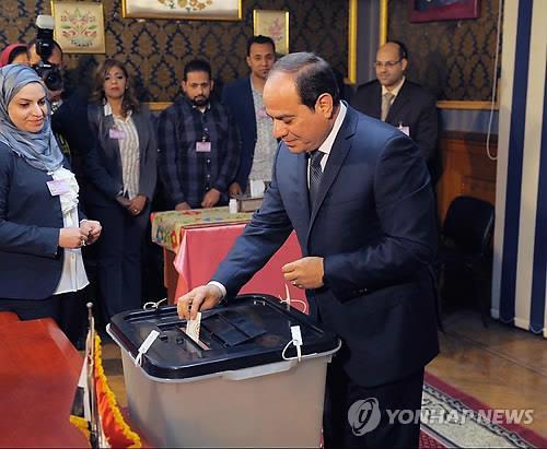 """이집트 엘시시도 장기집권?…벌써 """"2연임 제한 없애자"""" 목소리"""