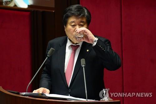 '교육감 형 도피 조력' 최규성 전 사장 구속영장 기각