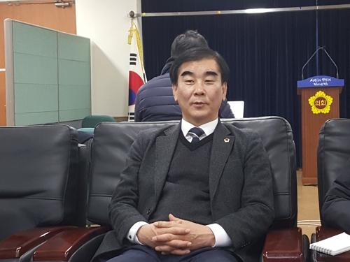 """경기의회 민주당 """"이재명, 도정수행에 소홀함 없어야"""""""