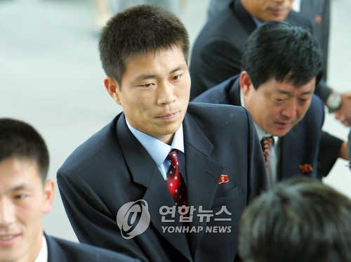 '정대세와 한솥밥' 35살 김영준, 北 남자축구대표 감독 선임
