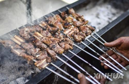 """중국서 소고기보다 비싸진 양고기…""""양귀비라 불러"""""""