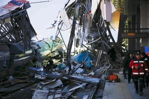 터키 수도서 고속철 충돌·탈선사고로 4명 사망