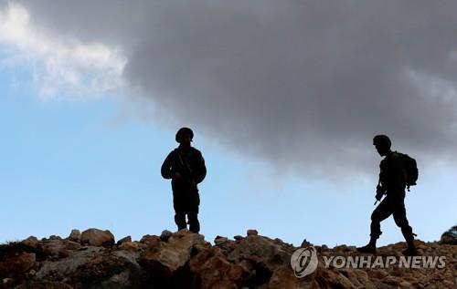 """괴한 총격에 이스라엘군 2명 숨져…""""팔레스타인인 소행"""""""