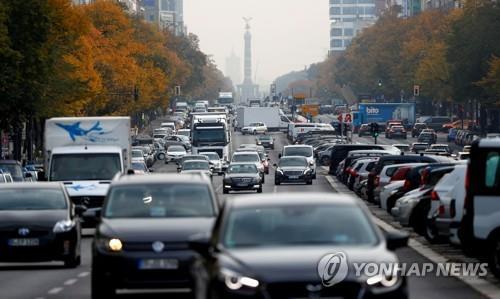EU, 2030년까지 자동차 CO2 배출량 37.5% 감축 확정…업계 반..