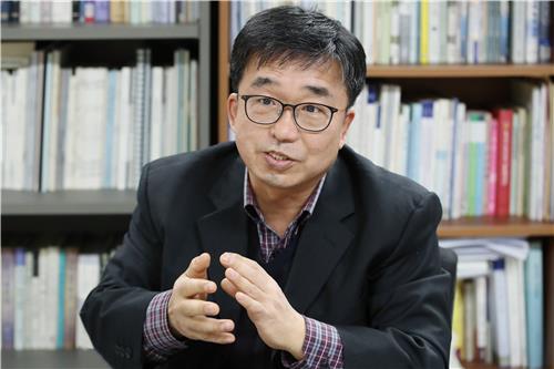 """[묻고 답하다] 한용운 실장 """"남북 공동편찬 겨레말큰사전 5년 뒤 발간"""""""