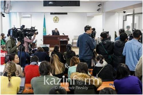 카자흐 '피겨영웅' 데니스 텐 살해 피고인들에 징역 20년 구형