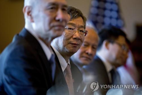 中, 무역협상 중 위안화 절상 유도…'환율방어 채권' 발행