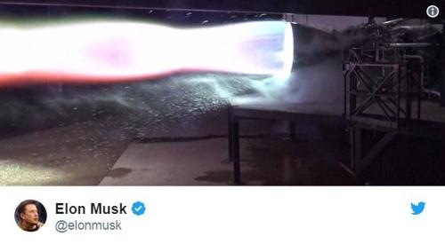 머스크, 유인우주선 엔진 불붙여…달·화성에 100명 보낼 것