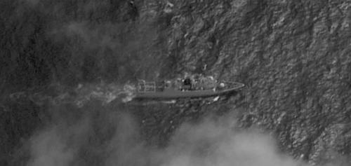 필리핀 남중국해 섬 공사에 中 군함·어선 '해상 인해전술'