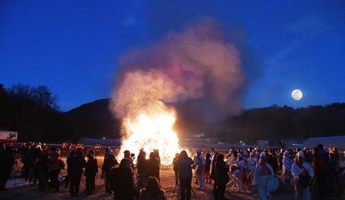달집 태우며 액운 날리세요…대전·세종 대보름 행사 풍성(종합)
