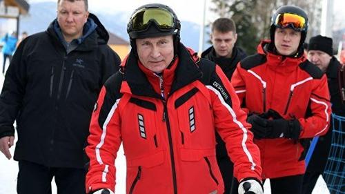 """푸틴, 해발 2천m서 스키 타며 건강미 과시…""""다음번엔 스노보드"""""""