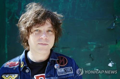 美 싱어송라이터 라이언 애덤스도 성추행 의혹